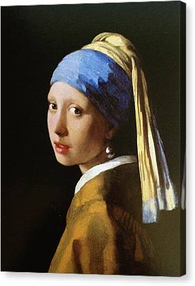 The Girl With A Pearl Earring Canvas Print by Carel