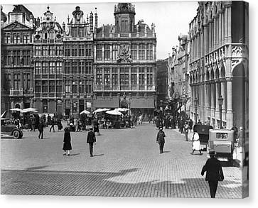The Grand Place In Brussels Canvas Print by Underwood Archives