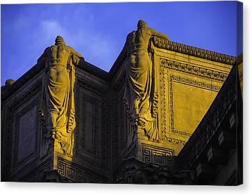 The Great Palace Of Fine Arts Canvas Print by Garry Gay