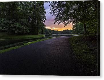 The Hues Of Daybreak Canvas Print by Everet Regal