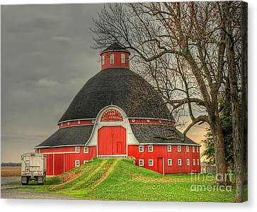 The Old Round Barn Of Ohio Canvas Print by Pamela Baker