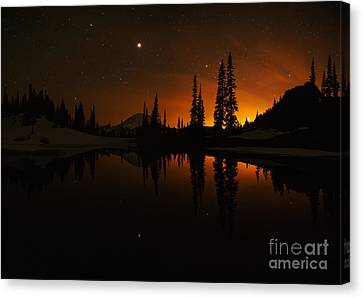 Tipsoo Amongst The Stars Canvas Print by Mike Reid