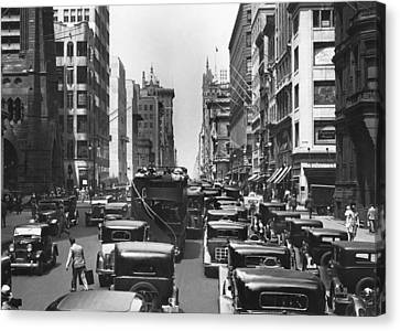 Traffic On Fifth Avenue Canvas Print by Underwood Archives
