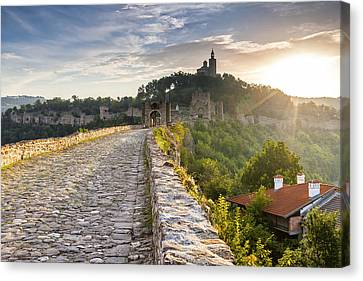 Tsarevets Stronghold Canvas Print by Evgeni Dinev