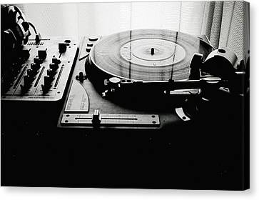 Turntable Canvas Print by So1