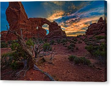 Turret Arch At Sunset Canvas Print by Rick Berk
