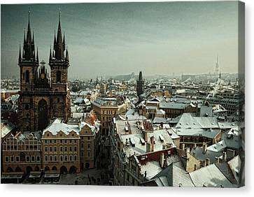 Tyn Church, Prague Canvas Print by Erik T Witsoe