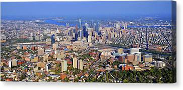 University Of Pennsylvania And Philadelphia Skyline Canvas Print by Duncan Pearson