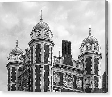University Of Pennsylvania Quadrangle Towers Canvas Print by University Icons