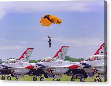 U.s. Army Golden Knights - Thunderbirds Canvas Print by Jack R Perry