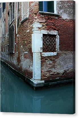 Venice-20 Canvas Print by Valeriy Mavlo