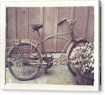 Vintage Bicycle Canvas Print by Jane Linders