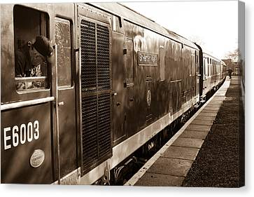 Waiting To Pull Out Of Blundson Station At Swindon And Cricklade Railway Canvas Print by Steven Sexton
