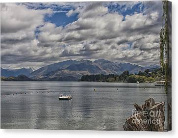 Wakatipu Lake In New Zealand Canvas Print by Patricia Hofmeester
