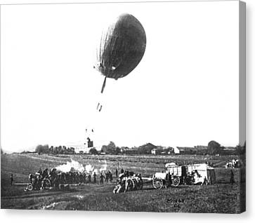 War Balloon To Bomb Germans Canvas Print by Underwood Archives