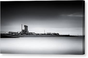 Whitstable Bay Canvas Print by Ian Hufton