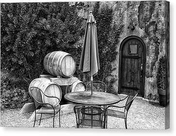 Winery Anyela's Vineyard Skaneateles New York Seating For Four Bw Canvas Print by Thomas Woolworth