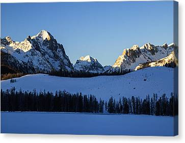 Winter Scene Along Sawtooth Range In Stanley Idaho Usa Canvas Print by Vishwanath Bhat