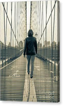 Woman Walking On The Brooklyn Bridge Canvas Print by Edward Fielding