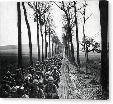 Wwi, French Infantrymen, Battle Canvas Print by Science Source