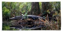 Alligator In Okefenokee Swamp Hand Towel by William H. Mullins