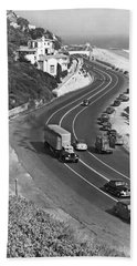 Hwy 101 In Southern California Hand Towel by Underwood Archives