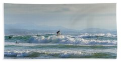 Hand Towel featuring the photograph Big Surf Invitational I by Thierry Bouriat