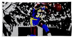 Magic Johnson Bounce Pass Hand Towel by Brian Reaves