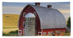 Palouse Barn - Est. 1919 Beach Sheet by Mark Kiver
