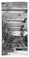 Sinatra Patio Bw Palm Springs Beach Sheet by William Dey