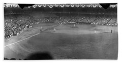 Yankees Defeat Giants Beach Towel by Underwood Archives