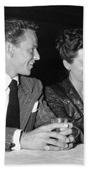 Frank Sinatra And Nancy Beach Towel by Underwood Archives