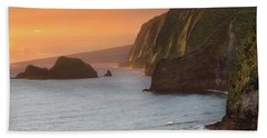 Hawaii Sunrise At The Pololu Valley Lookout 2 Beach Sheet by Larry Marshall