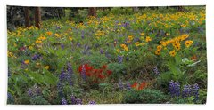 Mountain Wildflowers Beach Sheet by Leland D Howard