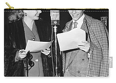 Frank Sinatra And Ann Sheridan Carry-all Pouch by Underwood Archives