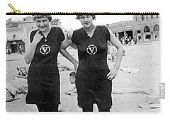 Two Girls At Venice Beach Carry-all Pouch by Underwood Archives