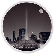 Buckingham Fountain Nightlight Chicago Bw Round Beach Towel by Steve Gadomski