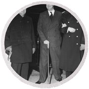 Churchill And Roosevelt Round Beach Towel by Underwood Archives
