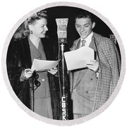 Frank Sinatra And Ann Sheridan Round Beach Towel by Underwood Archives