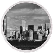 New York City Skyline Black And White Round Beach Towel by Dan Sproul