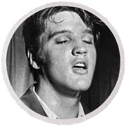 Portrait Of Elvis Presley Round Beach Towel by Underwood Archives