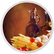 Spaghetti Pasta With Tomatoes And Garlic Round Beach Towel by Amanda Elwell