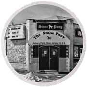 Stone Pony In Black And White Round Beach Towel by Paul Ward