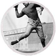 Washington State Quarterback Round Beach Towel by Underwood Archives