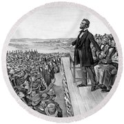 Lincoln Delivering The Gettysburg Address Round Beach Towel by War Is Hell Store