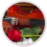Violin With Rose On Piano Round Beach Towel by Garry Gay