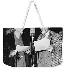 Frank Sinatra And Ann Sheridan Weekender Tote Bag by Underwood Archives