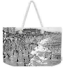 Santa Monica Beach In December Weekender Tote Bag by Underwood Archives