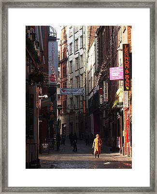 Lady In Gold Framed Print by Susan Tinsley