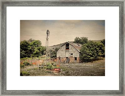 Old Barn Along Hyway 14 Framed Print by Chris Harris